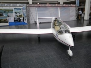 Song ultralight motor-glider