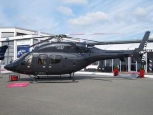 Helikopter Bell 429 im Aussenbereich der AERO : Platz für den Piloten und bis zu 8 Passagieren