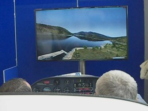 Simulationsflug im DA20 Cockpit am Stand von Aerosoft